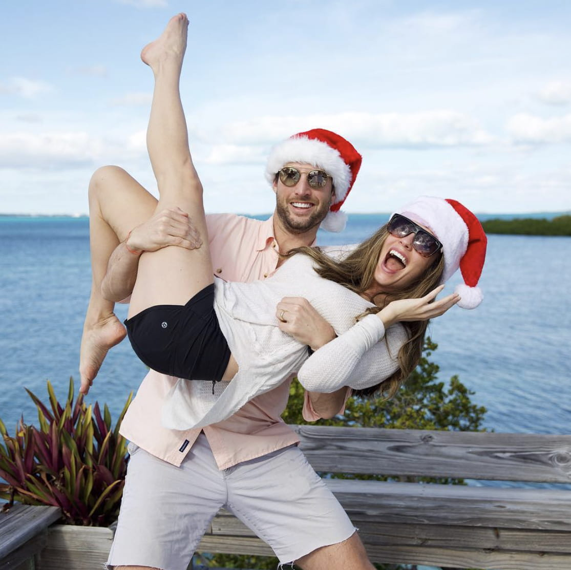 Harper and his wife Jordan celebrate Christmas in the Bahamas.